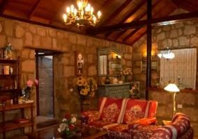 Sala de estar de estilo tradicional