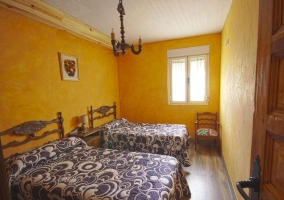 Dormitorio en amarillo