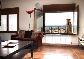 Sala de estar y ventana