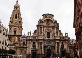Zona centro de Murcia con su Catedral