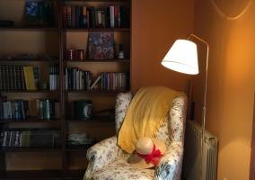 Sala de estar con mucha luz