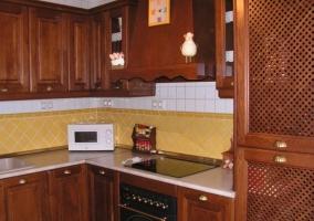 Cocina de la casa en madera