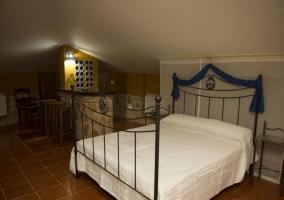 Dormitorio con salita delante