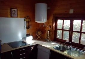 Cocina de la casa con vitro