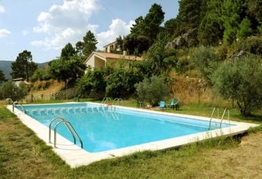 Casas rurales con piscina en albacete for Piscina 1 20