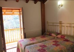 Dormitorio doble con luces