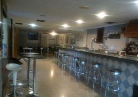 Restaurante con barra
