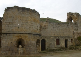 Zona con ruinas del castillo