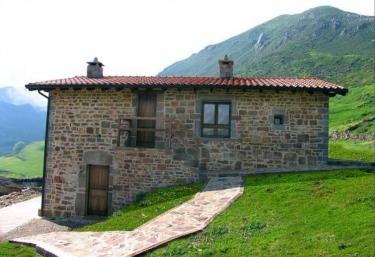Braña La Peral- Apartamento Bajo - Puerto (Somiedo), Asturias