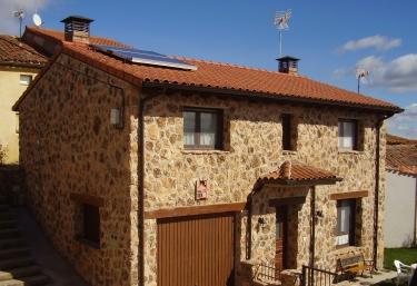 Casa Rural Sierra de Inodejo - Las Cuevas De Soria, Soria