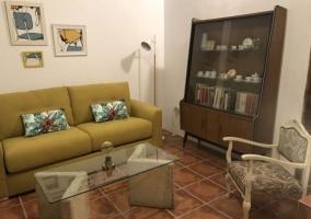 Salita de lectura con muebles
