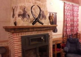 Sala social con la chimenea