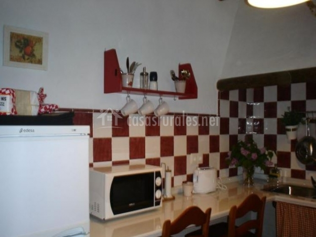 Cocina de la casa con zona para comer