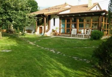 Casa Candelas - Lugo De Llanera, Asturias