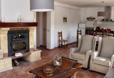 Cortijo El Lebrillo- Casa Las Nieves - El Burgo, Málaga