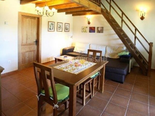 Apartamentos coviellador en cangas de onis asturias for Sala de estar y comedor