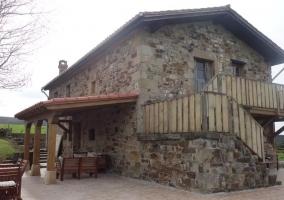 Vistas de la casa y su fachada