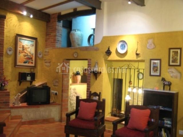 Ca l 39 antoni en nulles tarragona for Sala de estar antigua