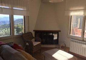 Sala de estar con ventana