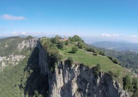Zonas naturales con acantilados
