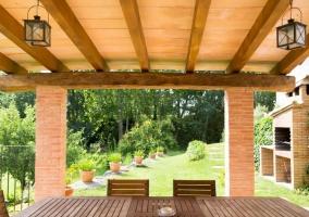 Vistas del porche con la mesa