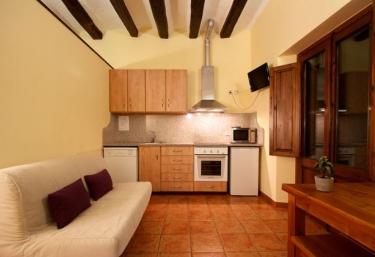 Mas Ombravella- Montolivet - Mieres, Girona