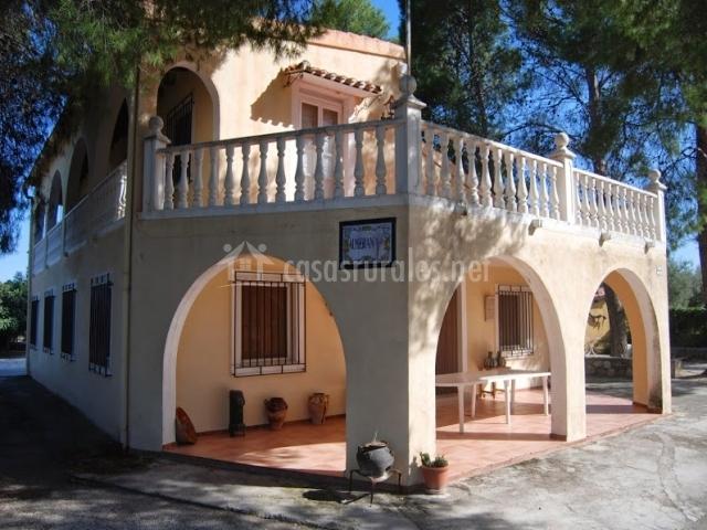 Casa principal cortijo almizr n en moratalla murcia for Fachadas de casas con porche