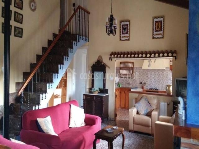 Casa principal cortijo almizr n en moratalla murcia for Sillones de cocina