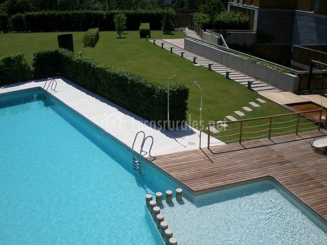 La piscina desde el aire