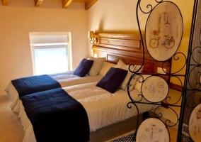 Dormitorio doble con sus detalles