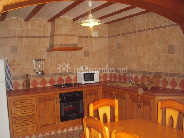 Mas a pinella a en benasal castell n - Muebles de cocina castellon ...