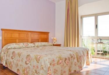 Apartamentos Mirapeñas- Playa Tenrero - El Campo (Gozon), Asturias