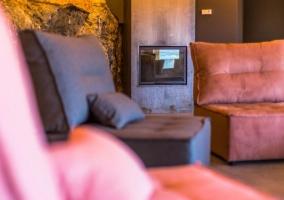Sala polivalente con chimenea