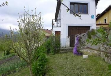 Casa Honorato I - Santa Eulalia De Carranzo, Asturias