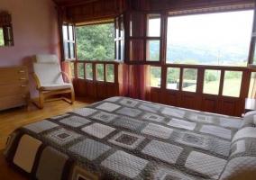 Dormitorio amplio con vistas
