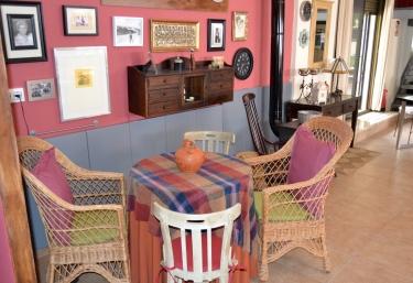 Estancias con muebles