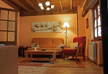 Apartamentos El Llago- Mira - Boal, Asturias
