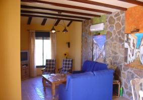 Sala de estar en amarillos y azules