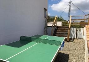 Vistas de las zonas exteriores con pingpong