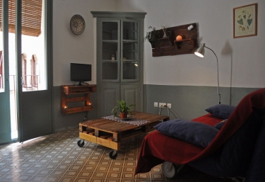 Apartaments Turistics Saltarello - Besalu, Girona