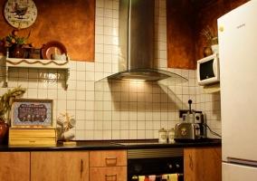 Cocina de la casa con todo lo necesario.JPG