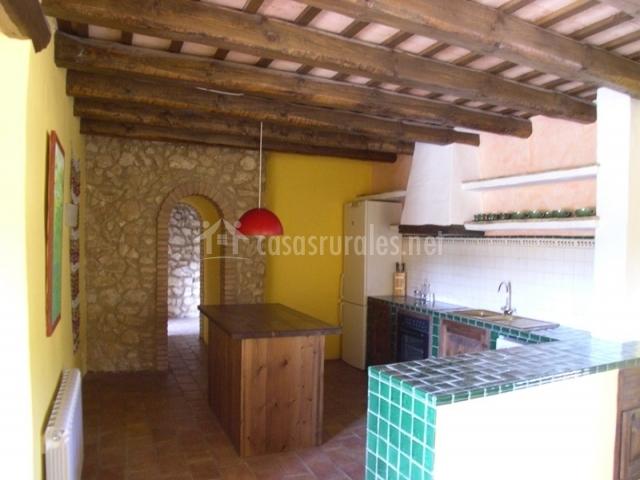 Casa rural la torre 12 en l 39 arbo ar barcelona for La casa del azulejo