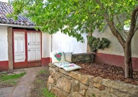 Vistas de los exteriores con jardines