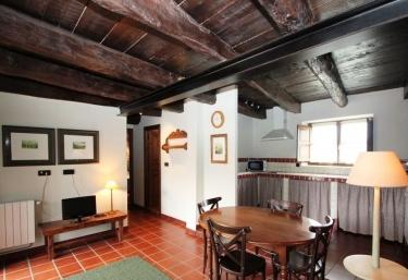 Apartamentos San Julián- A Corte - Grandas De Salime, Asturias