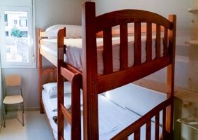 Dormitorio doble con cama