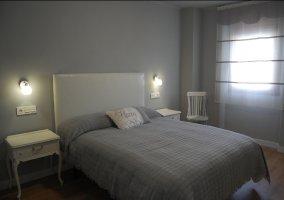 Dormitorio 4 con cama de matrimonio amplia