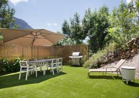 Vistas de los jardines con hamacas