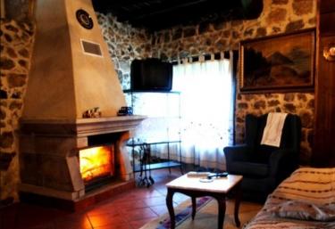 Aira Sacra- Casa dos Irmandiños - Panton (San Martiño), Lugo