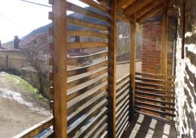 Vistas de la terraza con detalles de madera