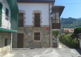 Vistas de los exteriores con balcones